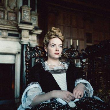 """Emma Stone como Abigail Masham en """"La Favorita"""" (2018)"""